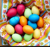 tojás festés természetes anyagokkal